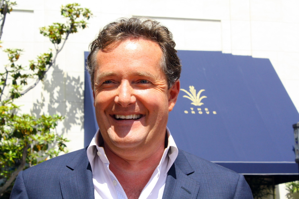 Piers Morgan spending the night weeping over a fiver for his beloved Queen