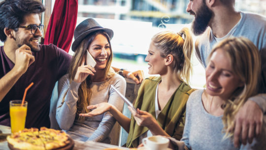 Blogger celebrates a week of living off a pound a day with friends in a trendy pub